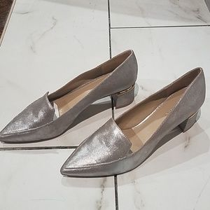 Dark silver/taupe loafer